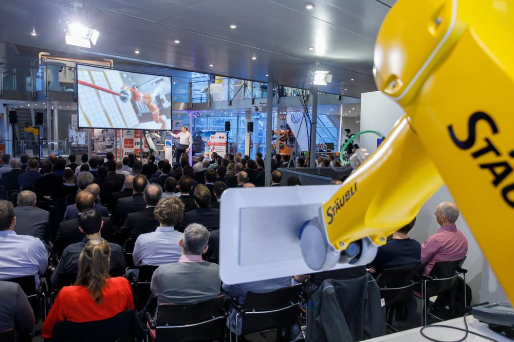 Auftakt in der Technology Academy: Stark besuchter Robotics-Kongress